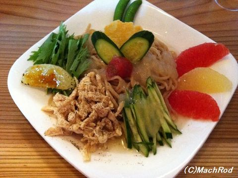 麺道花の杜 グレープフルーツの冷たい中華